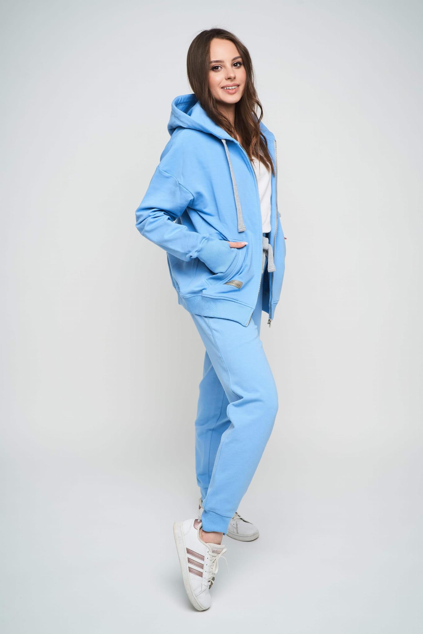 Długie spodnie dresowe całe błękitne ze sznurkiem - odCZAPY